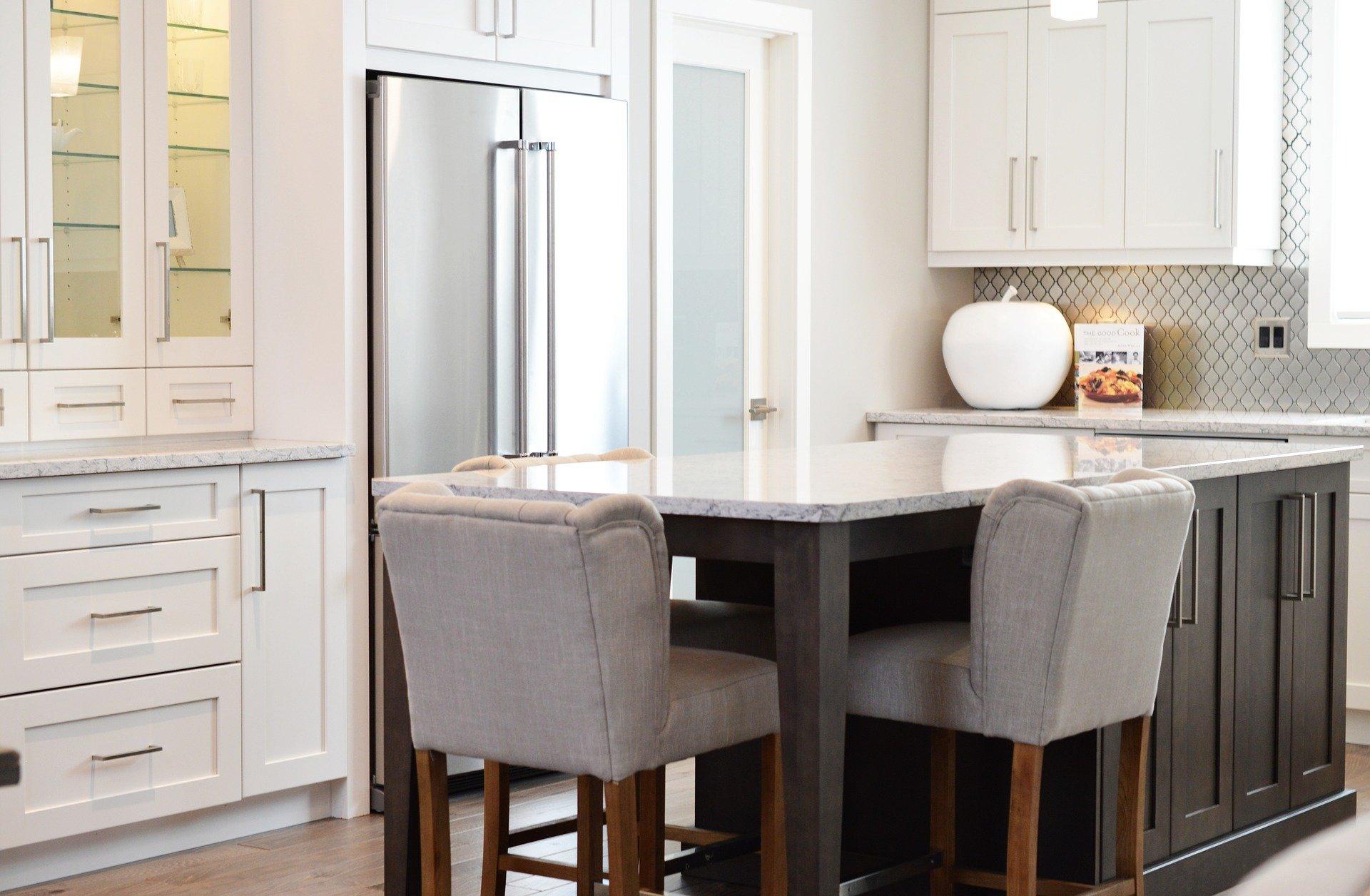 W jakim kolorze front kuchenny wybrać?